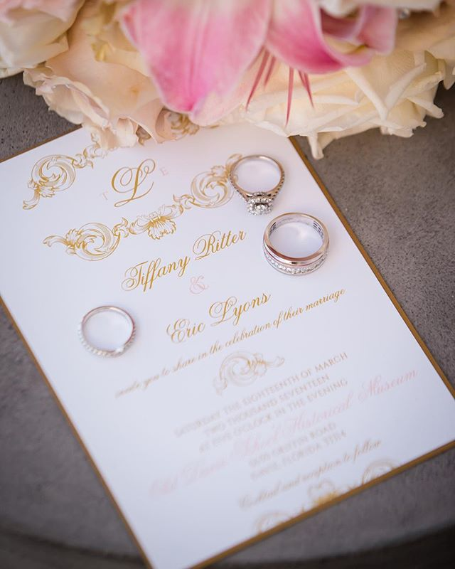 We just love receiving styled photos of our invites from our Bride and Groom's big day! Event planning by the phenomenal @ticaroseevents Photo 📷 by the ever talented @travisdanielsphotography