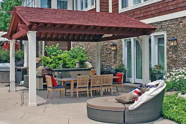 Outdoor Room w_Kitchen & Cedar Shake roof_screen_600px.jpg