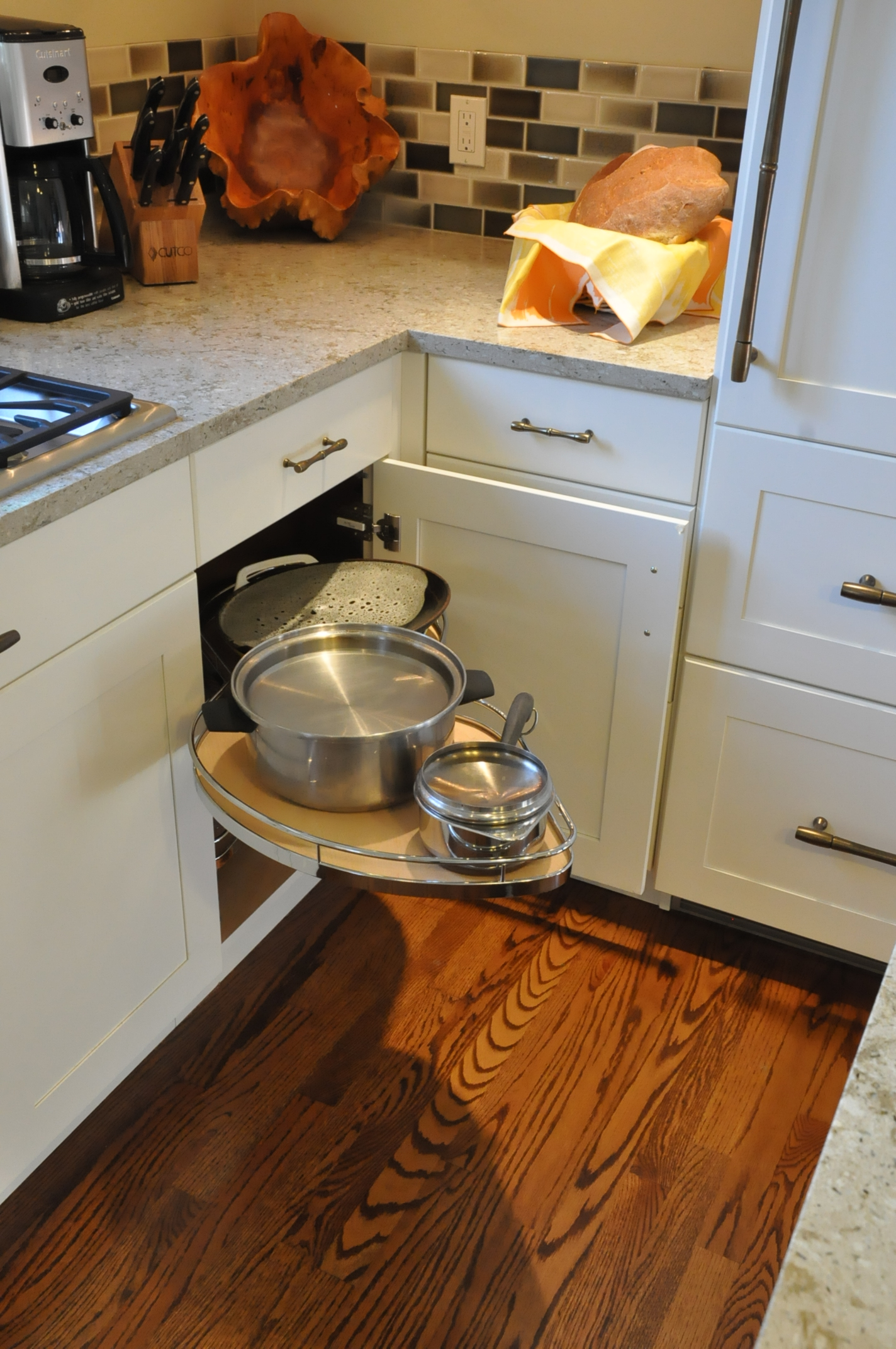 How to work with a blind corner