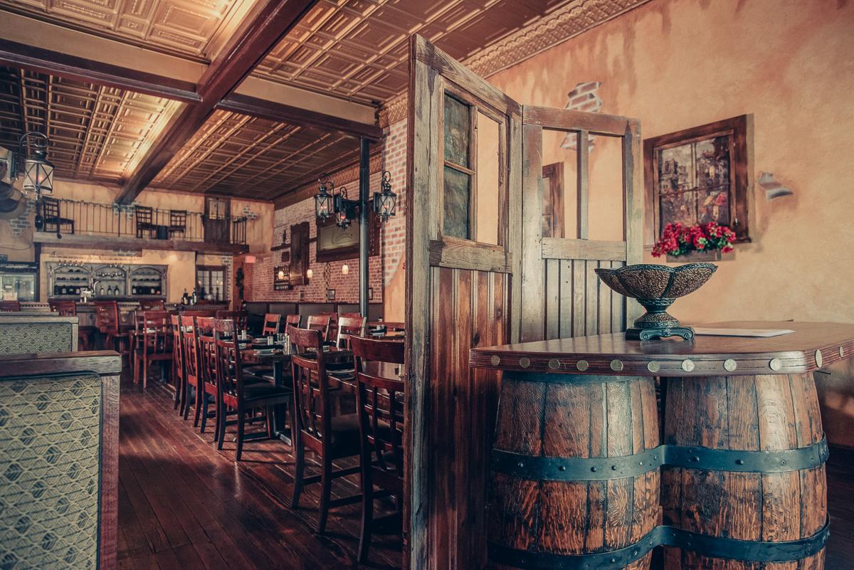 restaurant photo in southwestern missouri by commercial photographer Mark N.jpg
