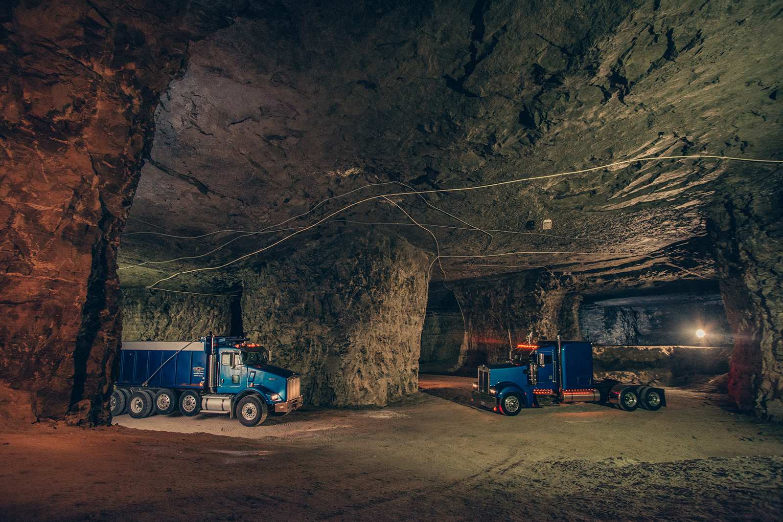joplin cavern tourism photography in southwest missouri.jpg
