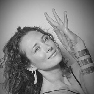 Liz Lindh Goddess, Instructor