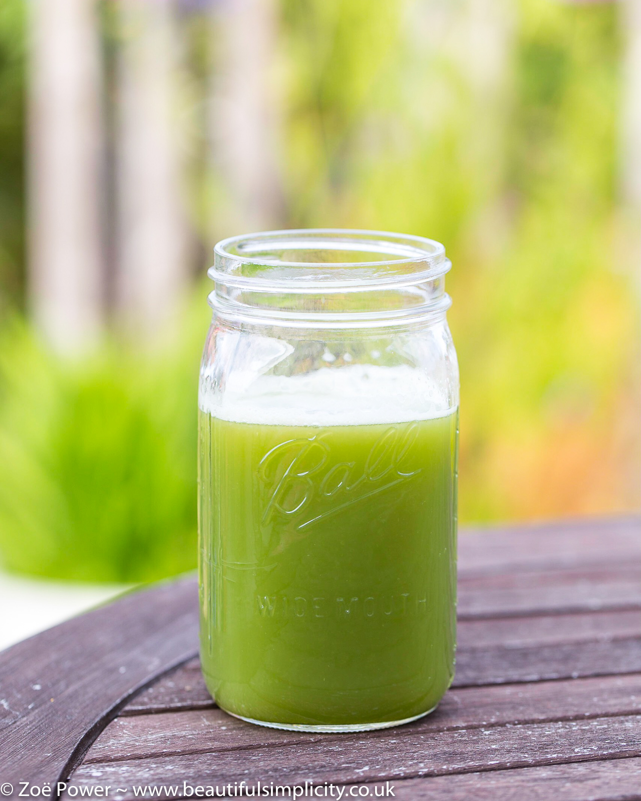 Celery juice | CHRONIC FATIGUE SYNDROME (CFS)/ME - WHAT I'M DOING TO RECOVER - PART 2 OF 3