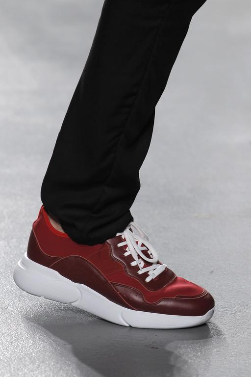 SHOES_Ambitious_1919803.jpg