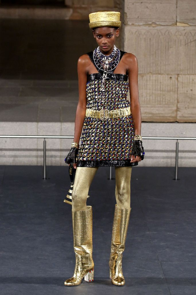 chanel-metiers-dart-runway-new-york_met_10013720bd.jpg