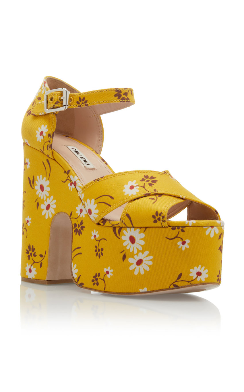 large_miu-miu-yellow-gabardine-daisy-bouquet-sandals (2).jpg