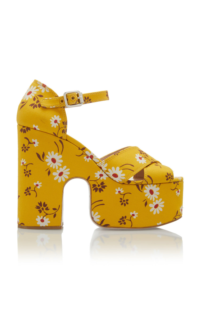 large_miu-miu-yellow-gabardine-daisy-bouquet-sandals.jpg