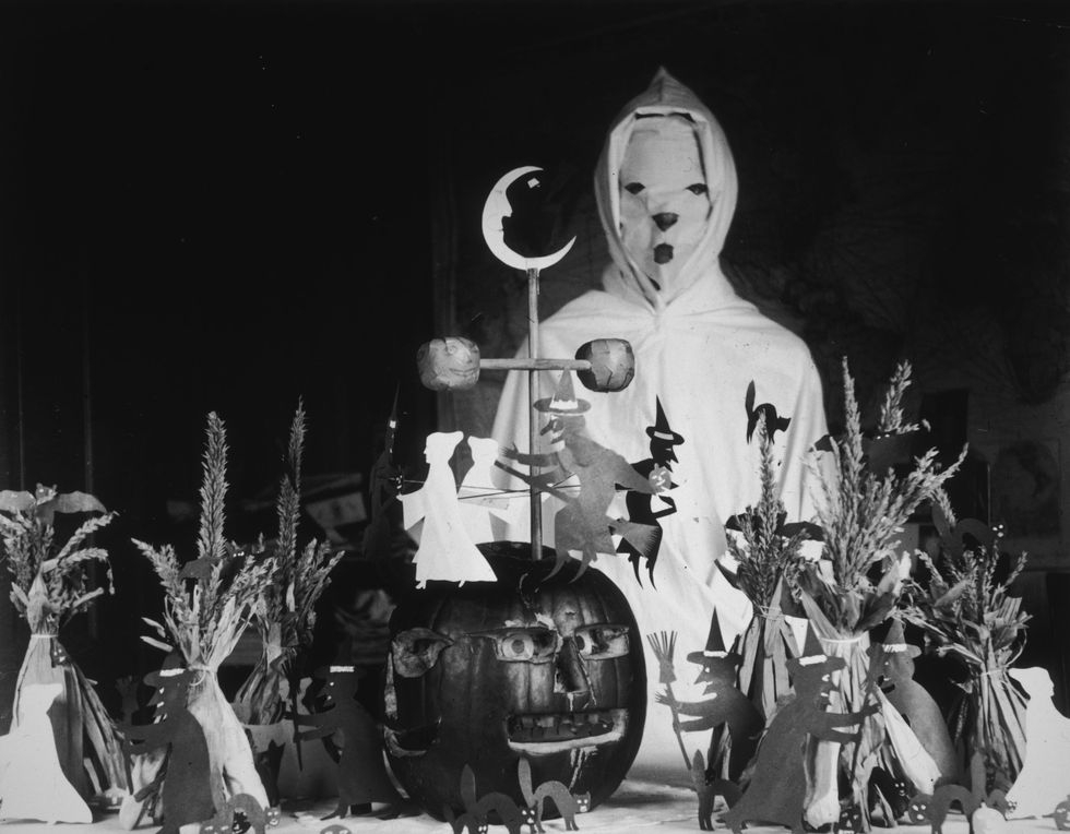 vintage-halloween-decorations-1900.jpg