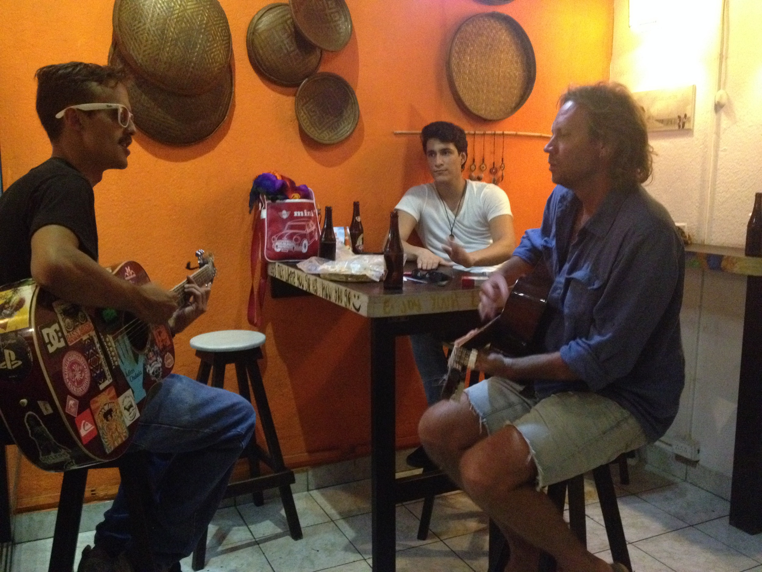 Improvisational music breaks out at a hole-in-the-wall Honduran cafe I hang out with Nayo (on the left). Nayo is a riot: graphic designer, chef, entrepreneur and also the great, great son of José Cecilio Díaz Del Valle, who was instrumental in Central America's independence from colonial government.