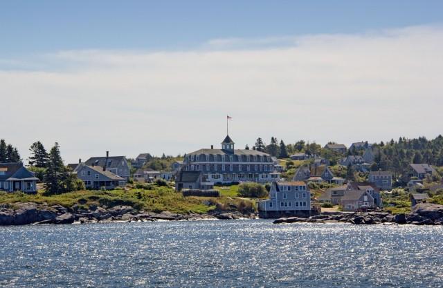 island inn.jpg