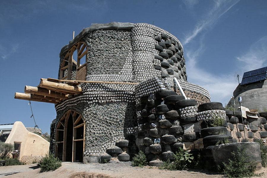 Earthship a medio construir