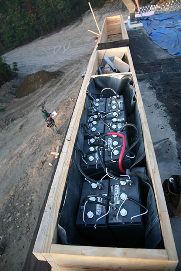 Baterías interconectadas para suministro de energía a la vivienda.