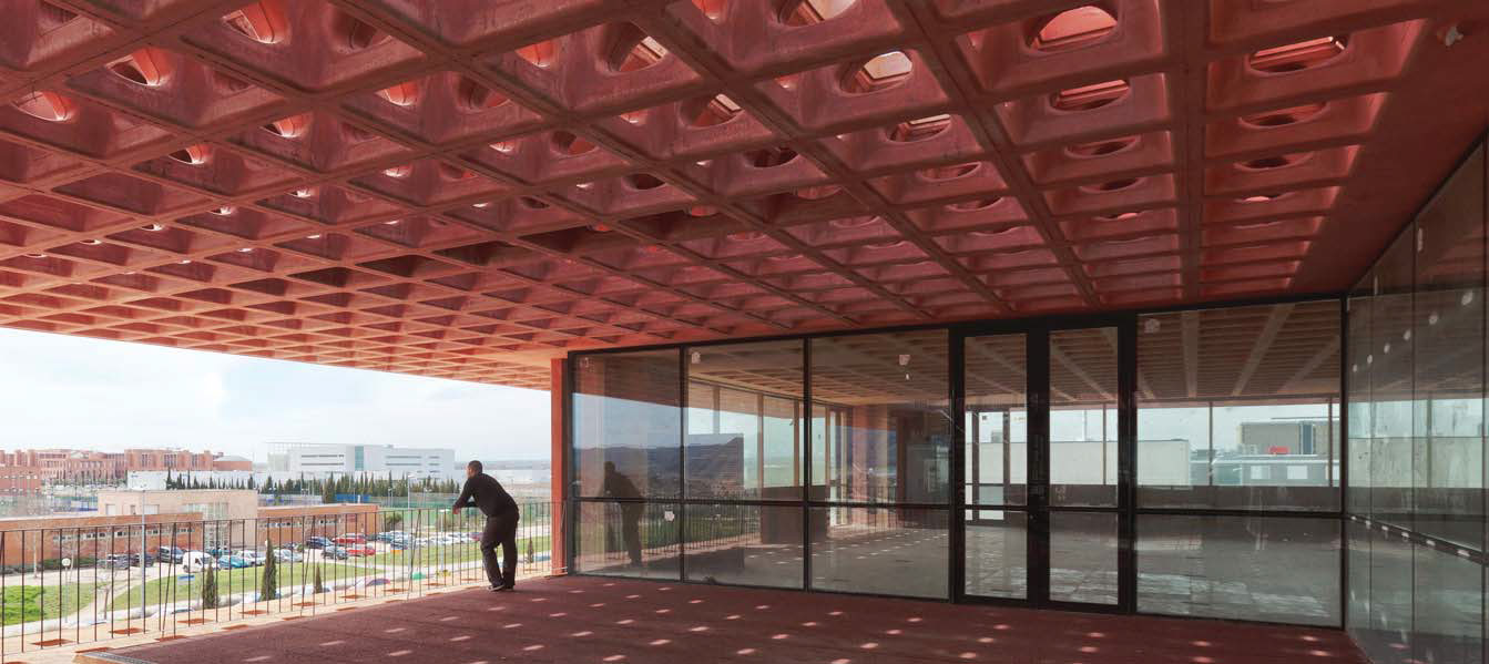 Edificio construido con el sistema Holedeck en Alcalá de Henares