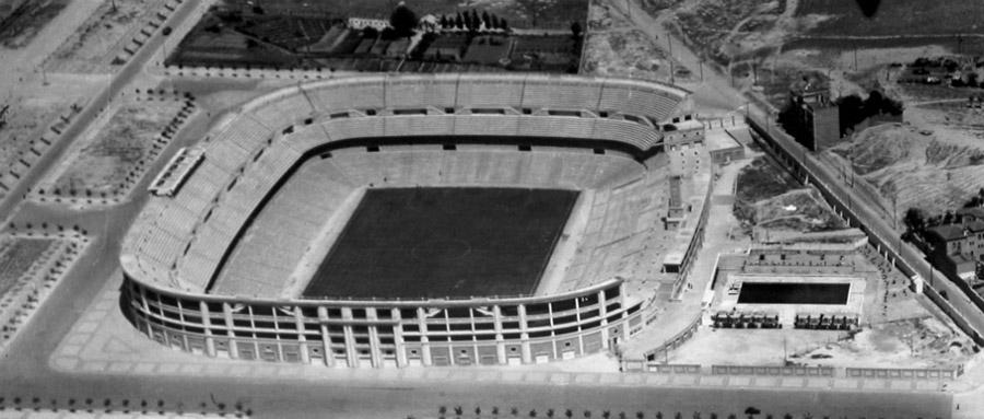 Vista aérea del antiguo Santiago Bernabéu.