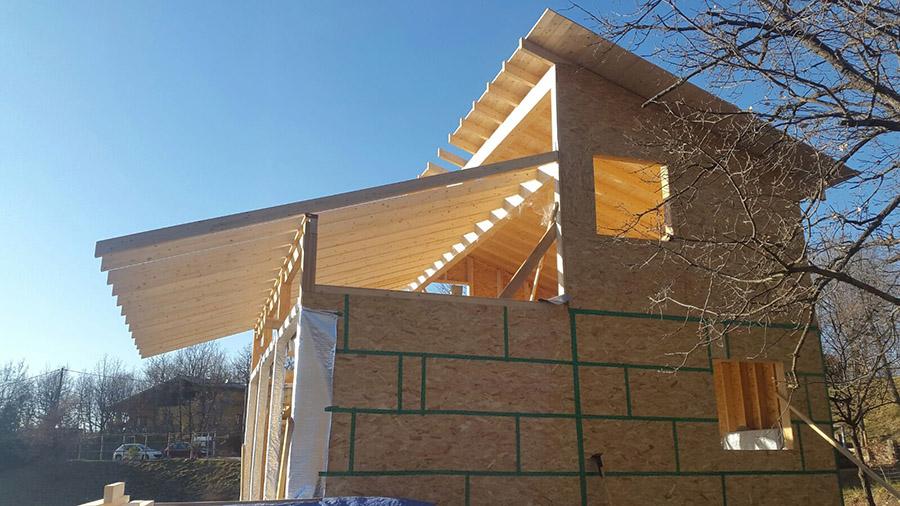 Vivienda de madera en construcción