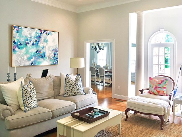 One of my clients sent me this photo of my painting in their living room. Nothing makes a room come to life quite like artwork (especially one of mine hehe, humble brag) 😛