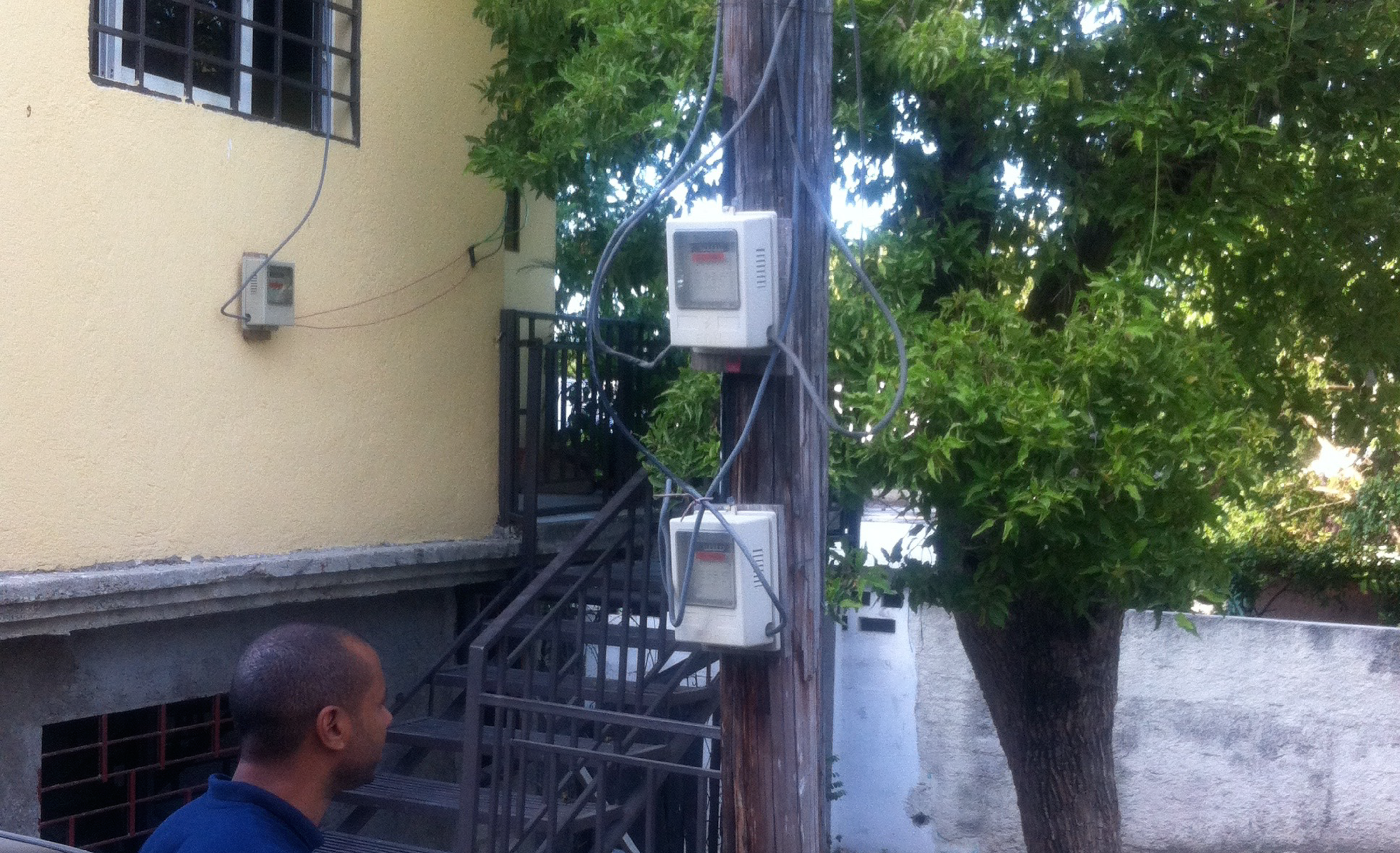 Observing meter connection phenomena in Port-au-Prince