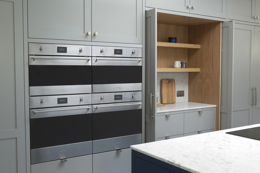 Standforth Kitchen Shaker 4 Ovens & Doors Open 900x600px.jpg