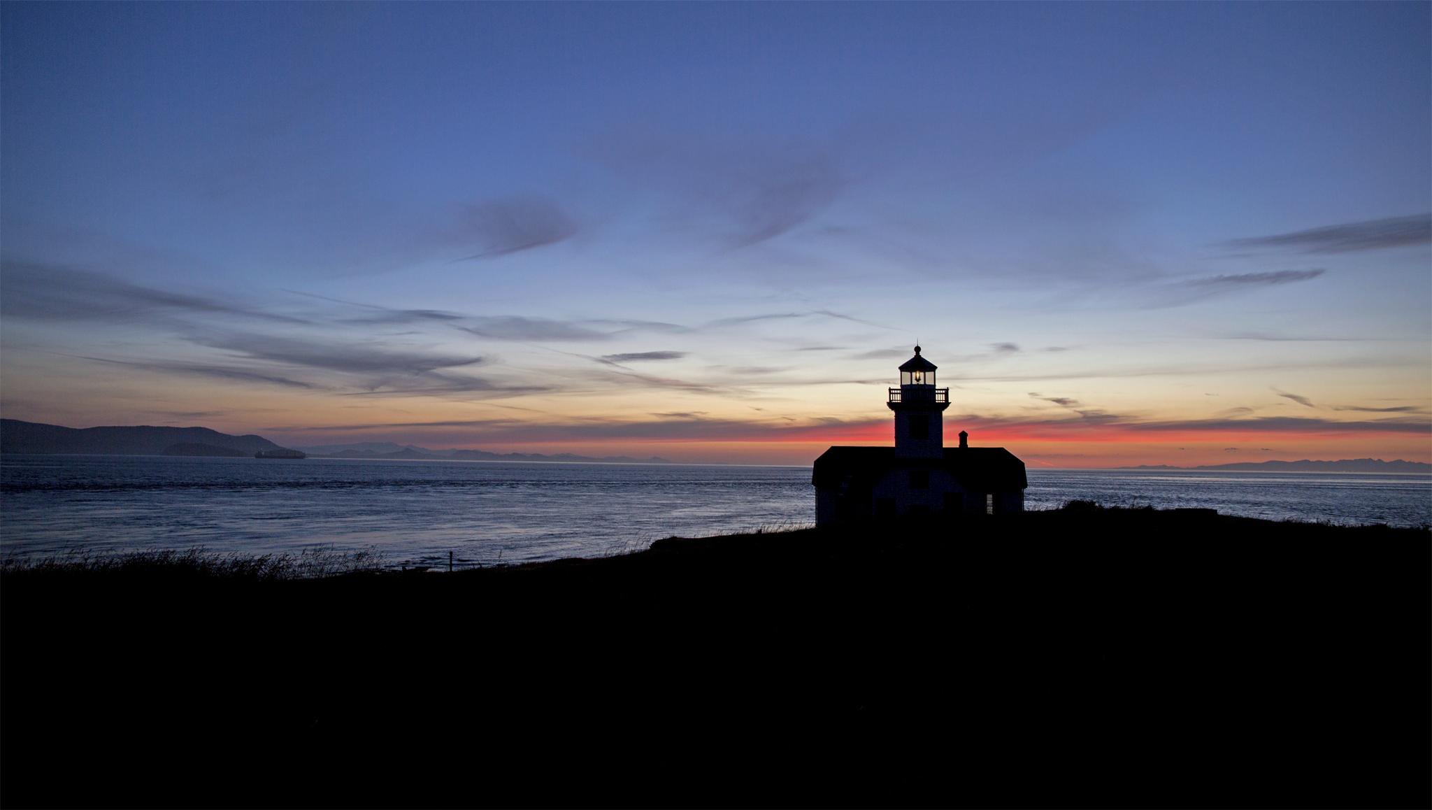 Lighthouse-web.jpg