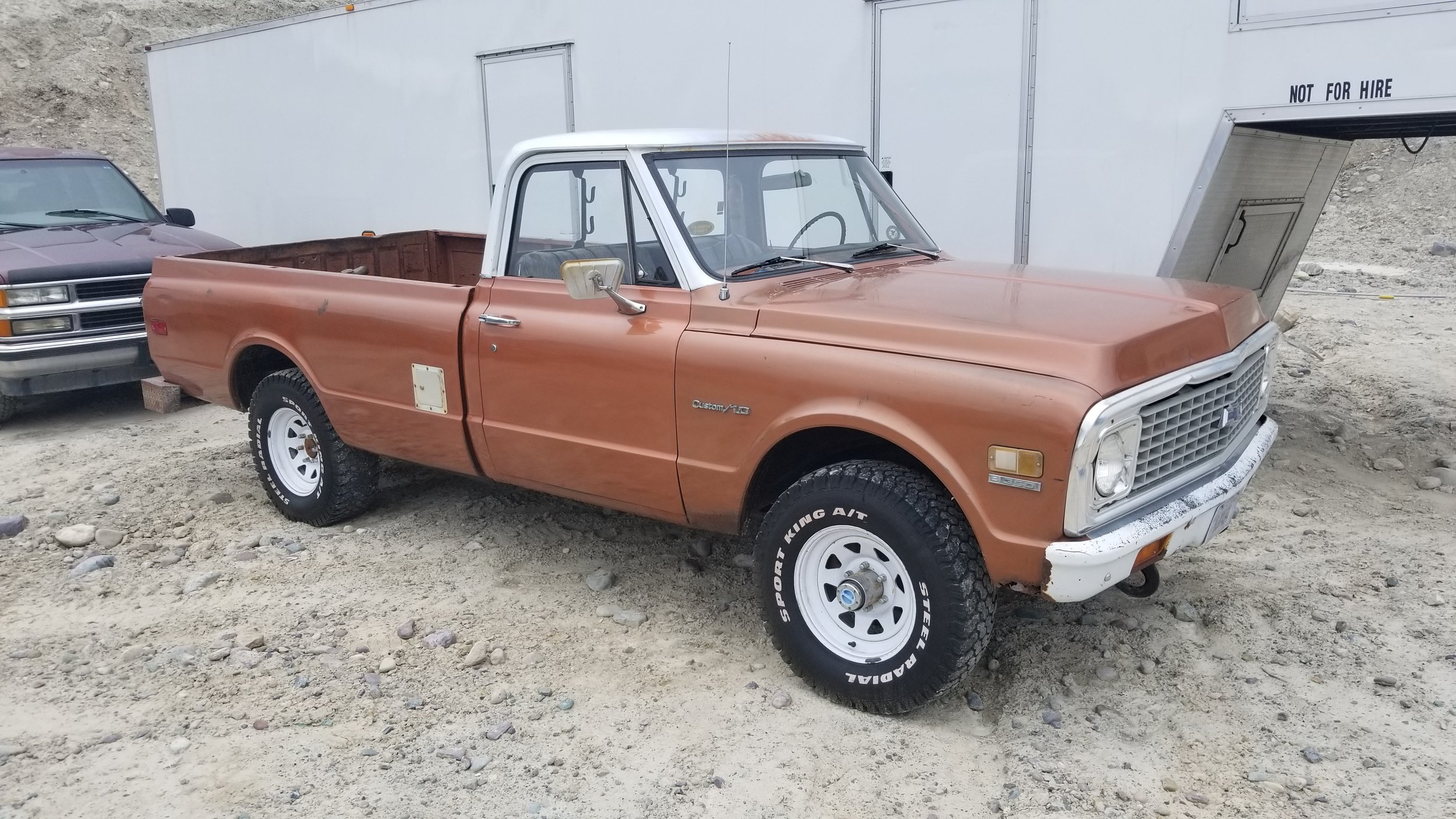 1972 Chevrolet 4WD - Just a good 'ole farm truck, factory 4WD, four speed, factory 350ci V8. Nice project.