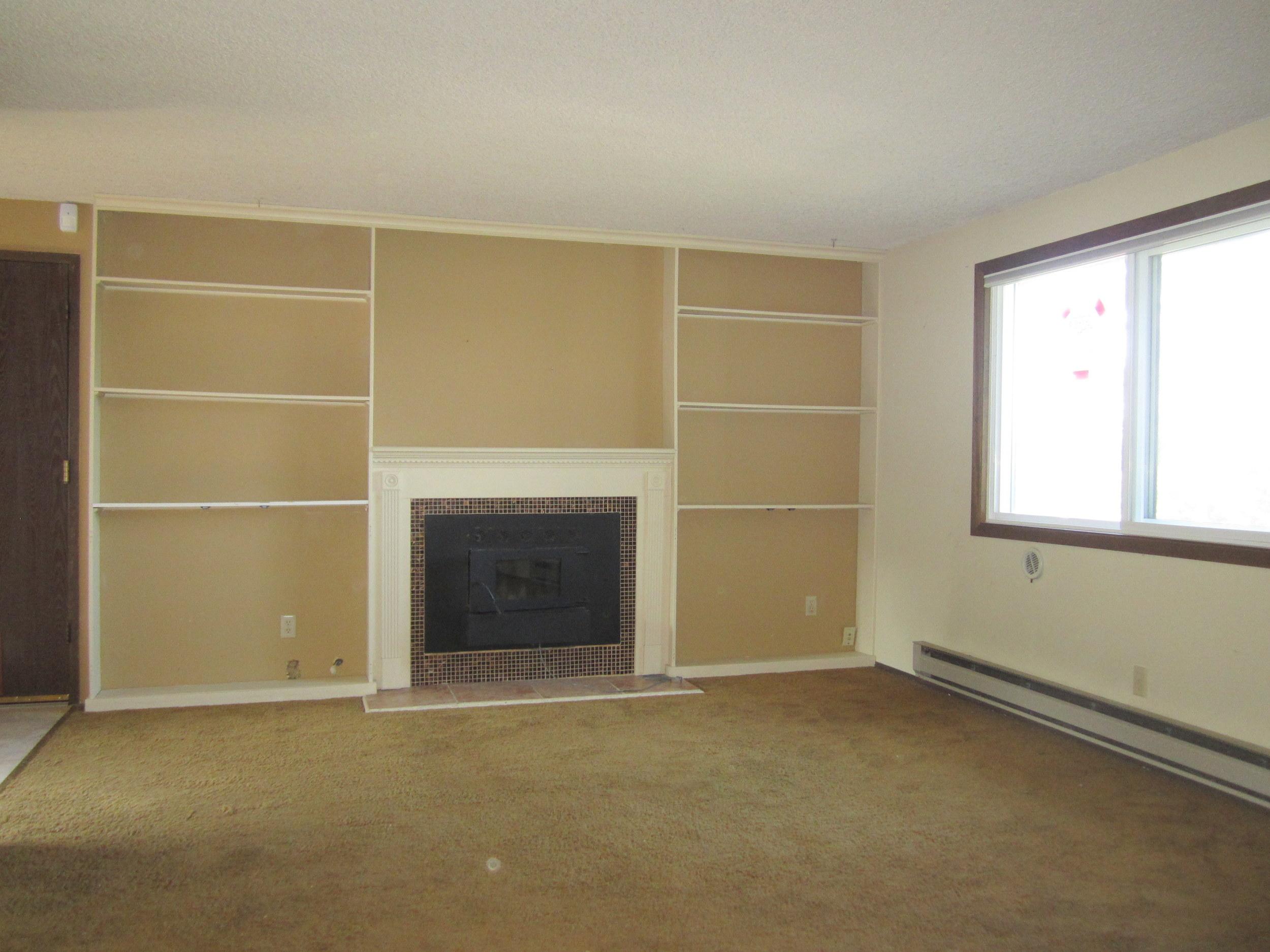 561-876035 - Living Room 1.JPG
