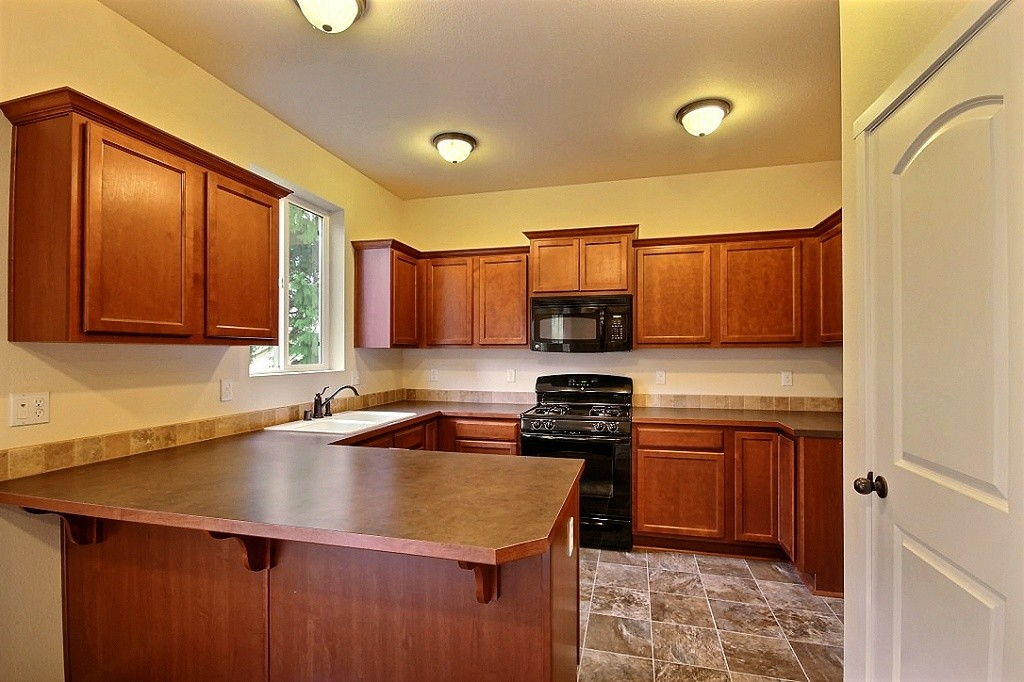 4-kitchen5021.jpg
