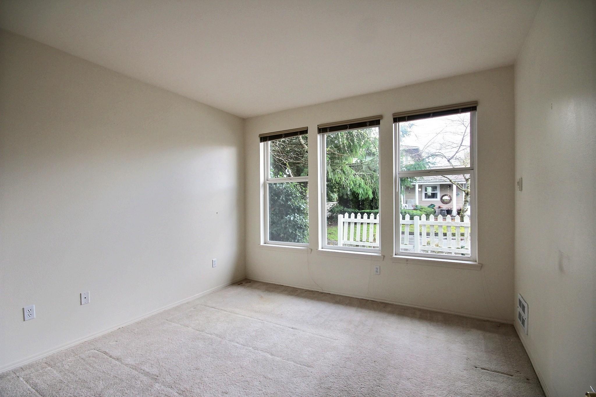 561-691401 - Bedroom 1.jpg