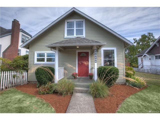 9244 Dayton Ave N, Seattle, WA 98103  1090 SF  8245 SF lot  Built in 1916  2 bed, 1.75 baths