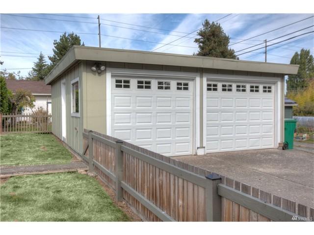 9244 garage.jpeg