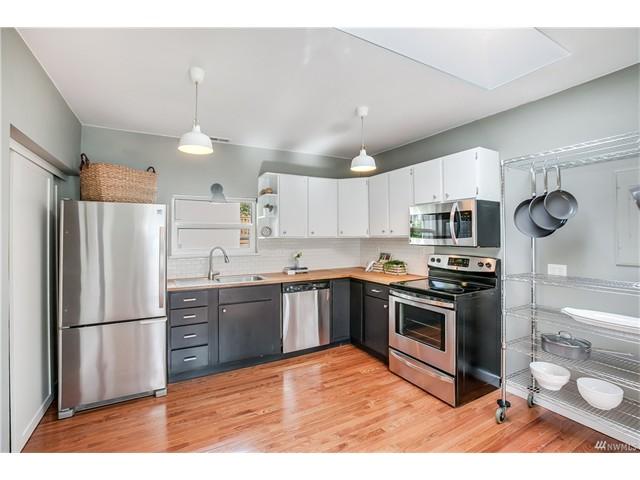 9244 kitchen.jpeg