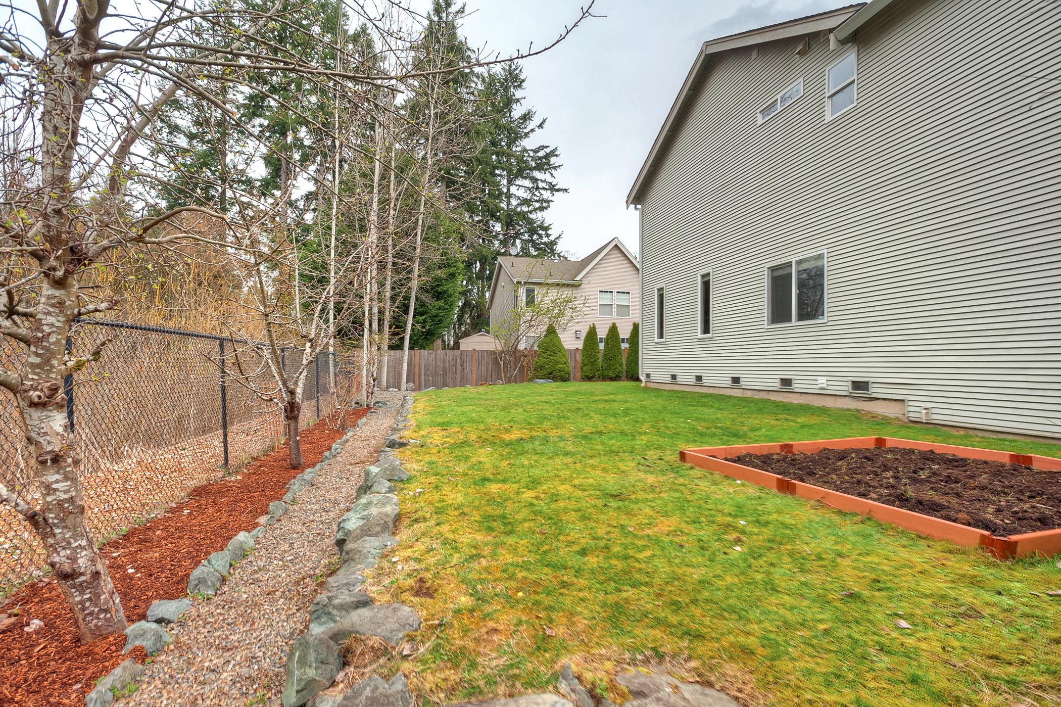 17-yard garden 3919.jpg