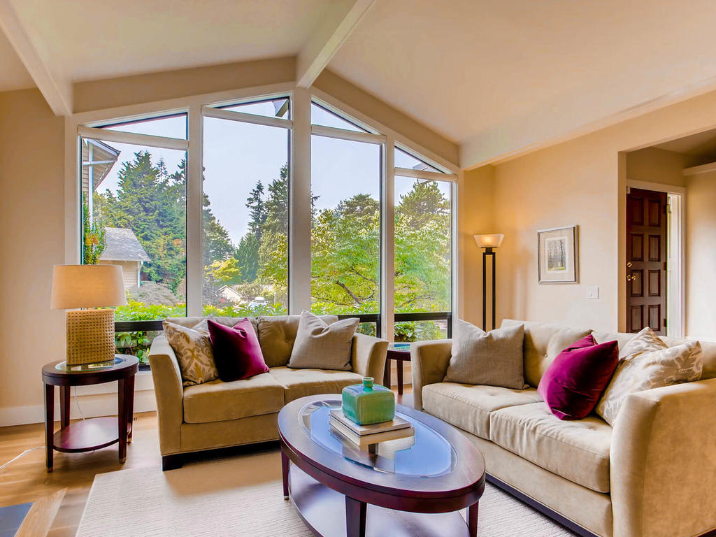 16309 NE 46th Ct Redmond WA-016-2-Living Room-MLS_Size.jpg