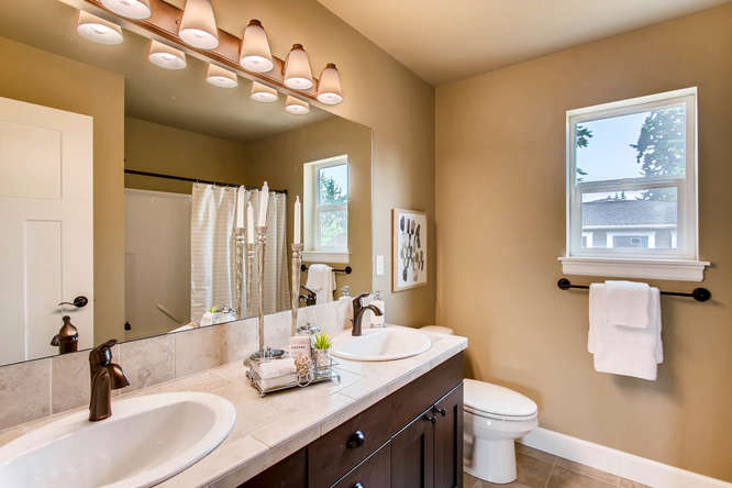 23419 84th Ave W Edmonds WA-small-021-9-2nd Floor Bathroom-666x444-72dpi.jpg