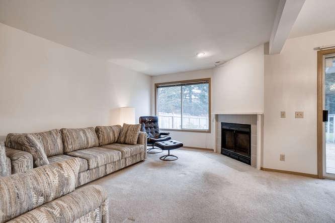 8001 NE 150th St Kenmore WA-small-002-5-Living Room-666x445-72dpi.jpg