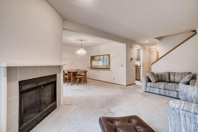 8001 NE 150th St Kenmore WA-small-003-3-Living Room-666x445-72dpi.jpg