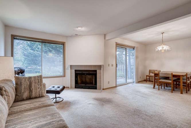 8001 NE 150th St Kenmore WA-small-004-8-Living Room-666x445-72dpi.jpg