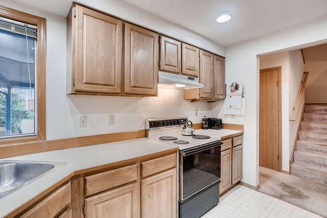 8001 NE 150th St Kenmore WA-small-014-1-Kitchen-666x445-72dpi.jpg