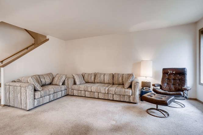 8001 NE 150th St Kenmore WA-small-007-28-Living Room-666x445-72dpi.jpg
