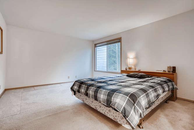 8001 NE 150th St Kenmore WA-small-016-6-2nd Floor Master Bedroom-666x445-72dpi.jpg