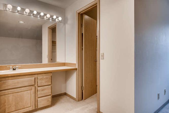 8001 NE 150th St Kenmore WA-small-024-2-2nd Floor Bedroom-666x445-72dpi.jpg