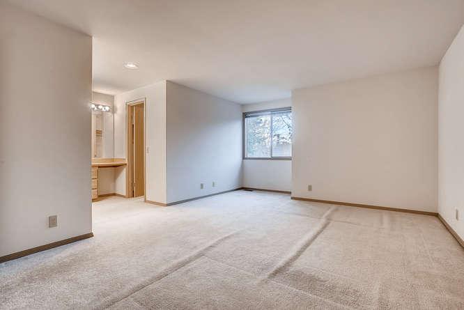 8001 NE 150th St Kenmore WA-small-022-9-2nd Floor Bedroom-666x445-72dpi.jpg