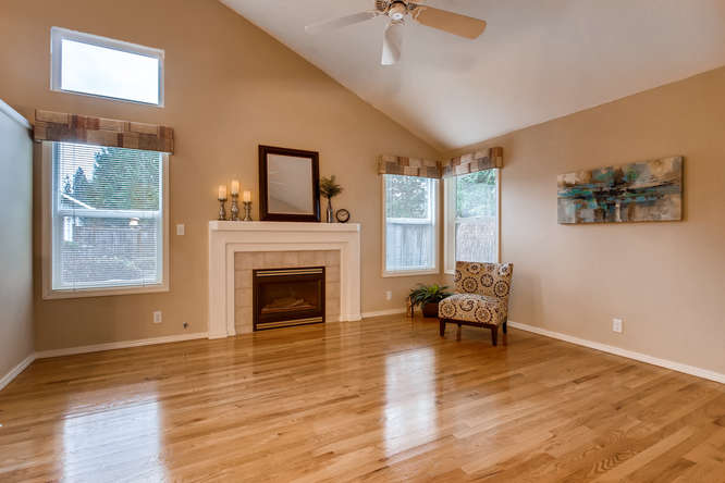 4801 NE 18th Pl Renton WA-small-004-1-Living Room-666x444-72dpi.jpg