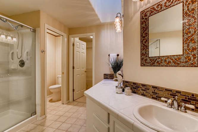 4801 NE 18th Pl Renton WA-small-018-27-2nd Floor Master Bathroom-666x444-72dpi.jpg