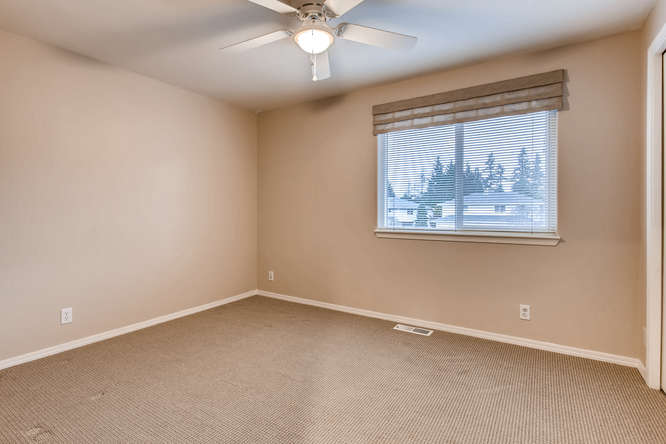 4801 NE 18th Pl Renton WA-small-020-4-2nd Floor Bedroom-666x444-72dpi.jpg