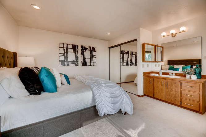 8517 Burke Ave N Seattle WA-small-015-9-Master Bedroom-666x445-72dpi.jpg