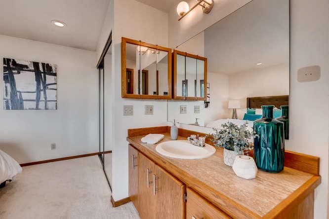8517 Burke Ave N Seattle WA-small-017-21-Master Bathroom-666x444-72dpi.jpg