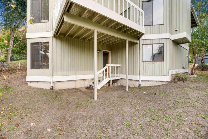 8517 Burke Ave N Seattle WA-small-028-25-Back Yard-666x444-72dpi.jpg