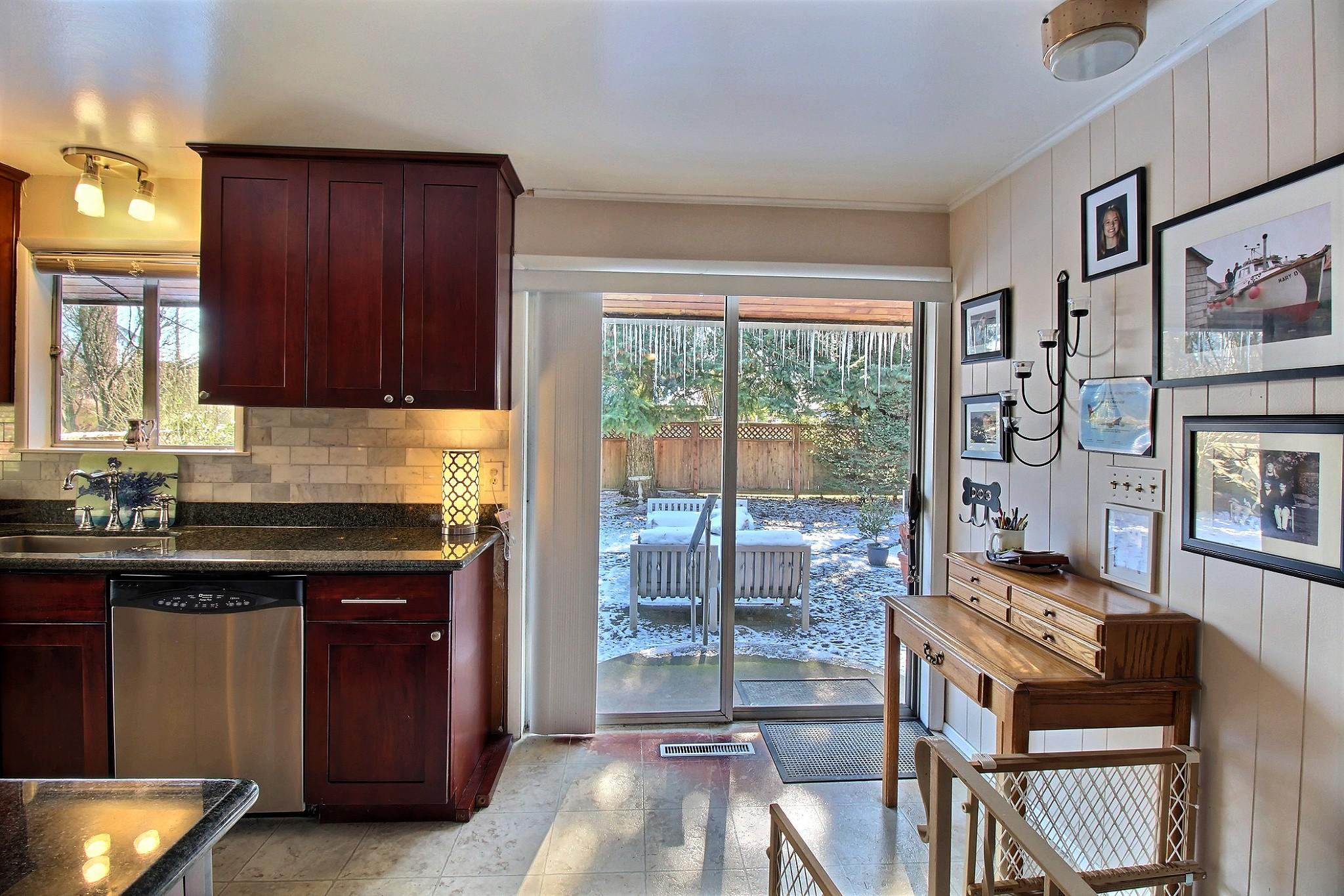 22-kitchenslider2601.jpg