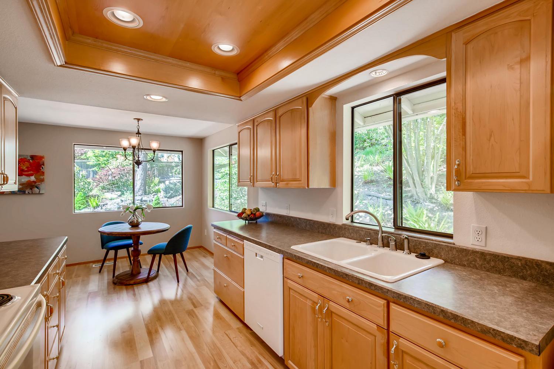 22224 3rd Ave SE Bothell WA-large-007-27-Kitchen-1500x1000-72dpi.jpg