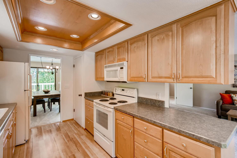 22224 3rd Ave SE Bothell WA-large-008-25-Kitchen-1500x1000-72dpi.jpg